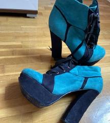 Precool cipele na petu