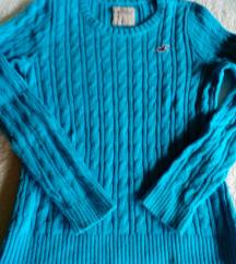 Hollister pulover  snižen 80kn