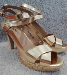 POKLANJAM 🎁🎁 Zlatne cipele na petu