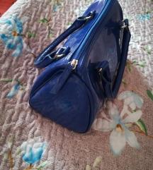 Plava lakirana torba