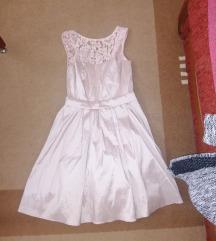 Predivna amisu haljinica
