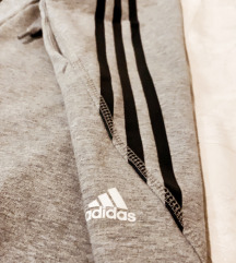 Adidas trenerka  akcija:100kn