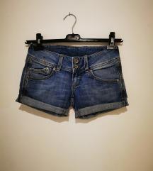 Kratke hlačice, traper