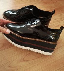 Stradivarius cipele