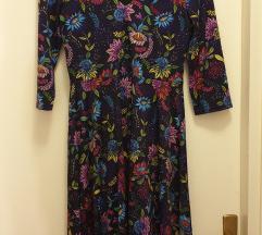 Ljubicasta haljina na cvjetove