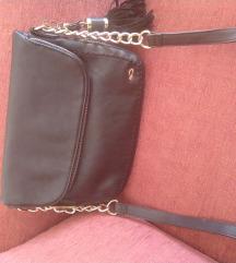Carpisa crna mala torbica