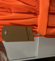 Narancasta haljina s etiketom