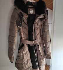 Strukirana zimska jakna