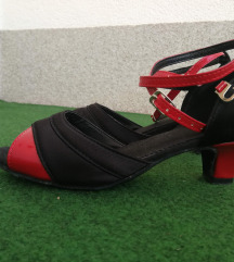 Crno-crvene sandale (plesne cipelice)