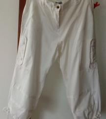 Lagane nove bijele 3/4 hlače samo 40 kn!!!