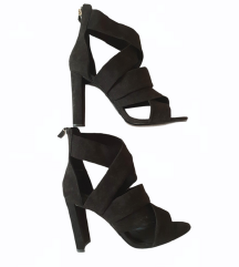 ⭐ZARA crne sandale NOVE⭐