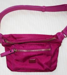 Carpisa ciklama torbica