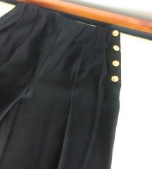 Elegantne crne hlače sa zlatnim gumbima