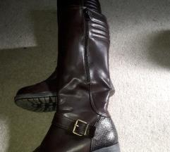 Nove cizme 39