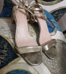 H&M Zlatne sandale