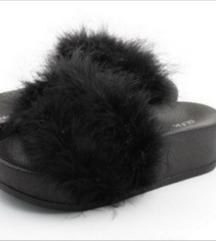 Krznene papuče