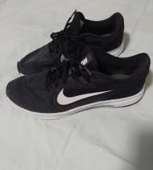 Nike tenisice 44
