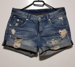 H&M kratke hlačice