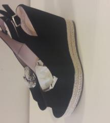 Crne sandale*