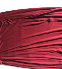 Crvena suknja s prorezom
