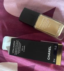 Chanel vitalumiere puder