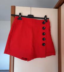 Kratke crvene hlače