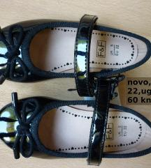 Nove F&F crne lakirane cipelice balerinke, 22
