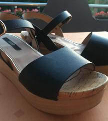 Crne sandale na platformu
