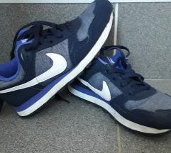 Nike 35,5