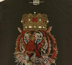 Moderna crna majica s tigrom
