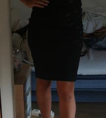 Crna haljina do koljena