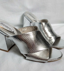 H&M nove metalik sandale