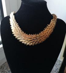 Bershka zlatna ogrlica