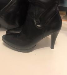 Crne kožne visoke čizme