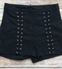 Nove fashionnova kratke hlačice