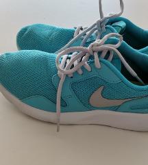 Nike br. 38