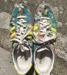 Adidas tenisice floral 39
