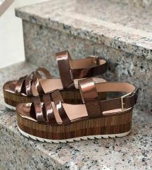 Zara bakrene sandale