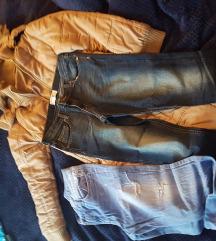Zimska jakna i dvoje traperice