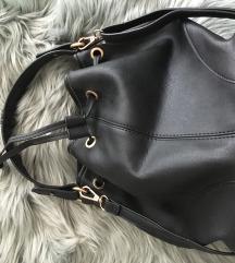 Crni bucket bag