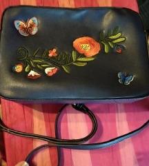 Nova torbica plava sa cvijećem