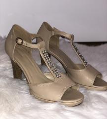 Sandale na peti