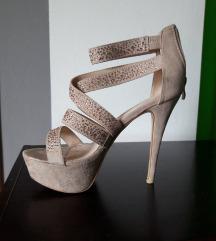 Sandale na visoku petu