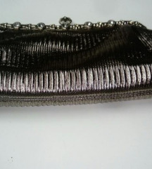 Srebrna torbica clutch novo
