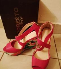 Pink sandale puna peta br. 38