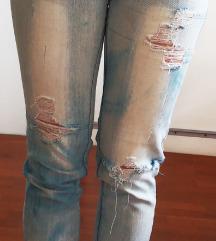 RJEŠAVANJE ZALIHA-Jeans hlače 'poderane'
