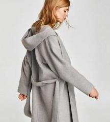 Zara kaput sivi s kapuljačom medium m