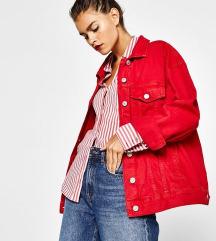 Crvena jeans jakna