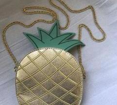 Ananas torbica