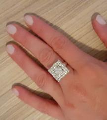 Srebrni prsten s cirkonima 18mm